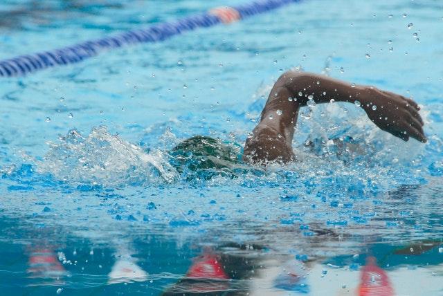 Plivanje: Emily Rose sa sajta Pexels